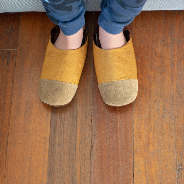 Slippers_2_600x600_0001_Layer-18