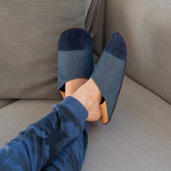 Slippers_2_600x600_0002_Layer-17